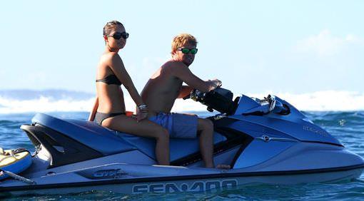 Келли Слейтер и Тадж Барроу катают вместе