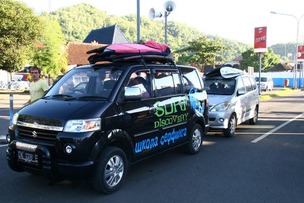 Машина Surf Discovery