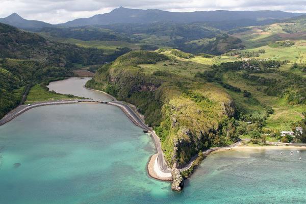 Вид с высоты на бухту Маврикия