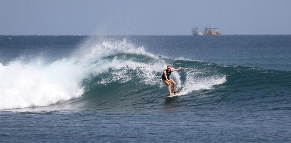Серфинг Панаитан
