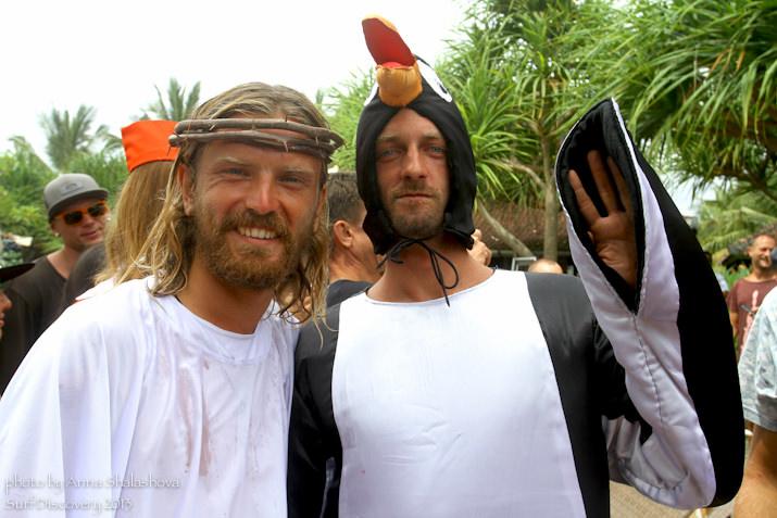 Исус и пингвин. Вот такая компания!