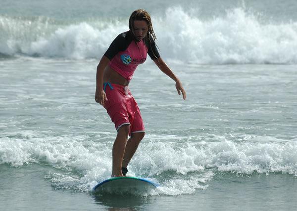 Маша Цигаль покоряет волны Бали
