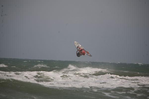 Владивосток - столица российского серфинга!