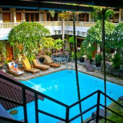 Отель The Rosani Hotel