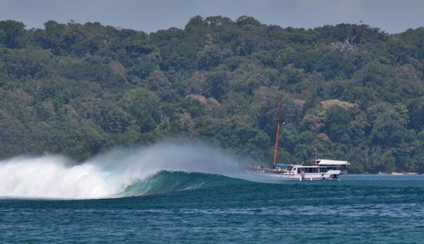 серфинг и соседи на яхте