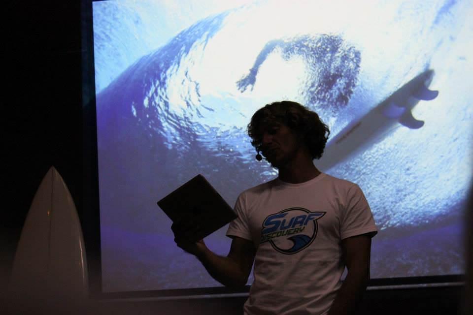 Лекция Никиты Замеховского: «Рисунки на волнах. Визуальное в культуре сёрфинга».