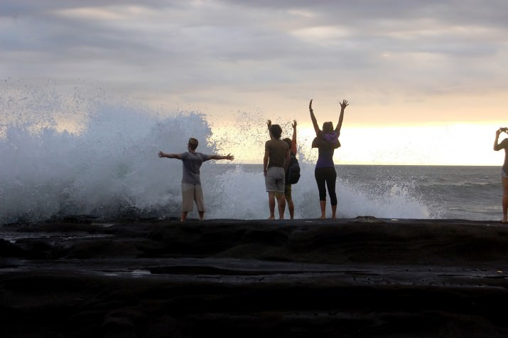 Пляж Балиан - скалы