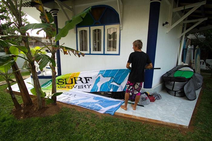 Подготовка к открытию серфинг-лагеря на Шри-Ланке