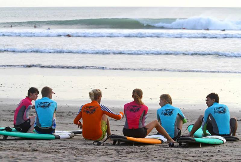 первый серф урок океан