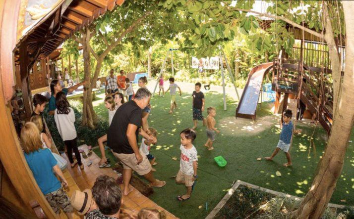 КАФЕ с детскими уголками и площадками
